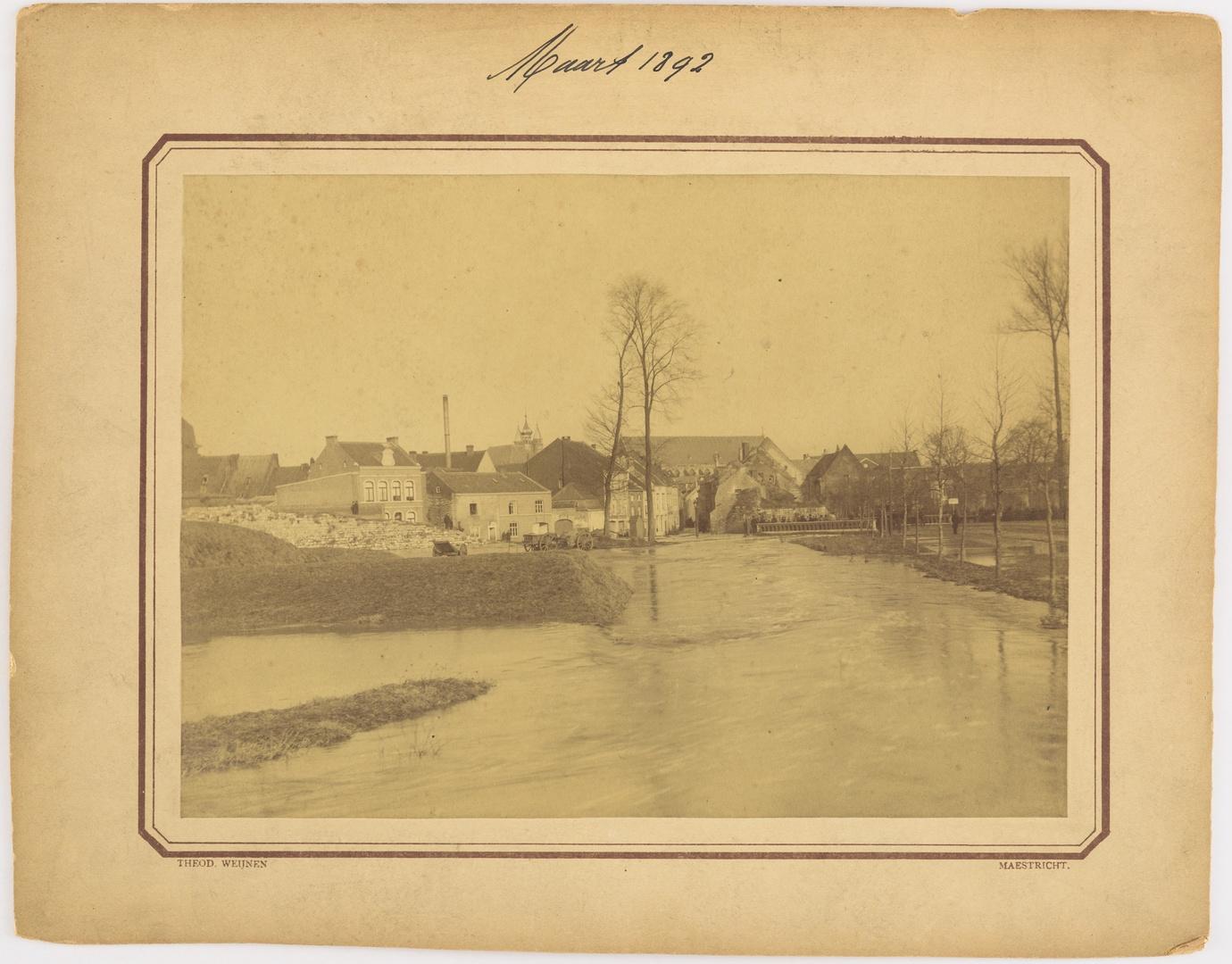 De Pietersstraat te Maastricht tijdens de watersnood van maart 1892