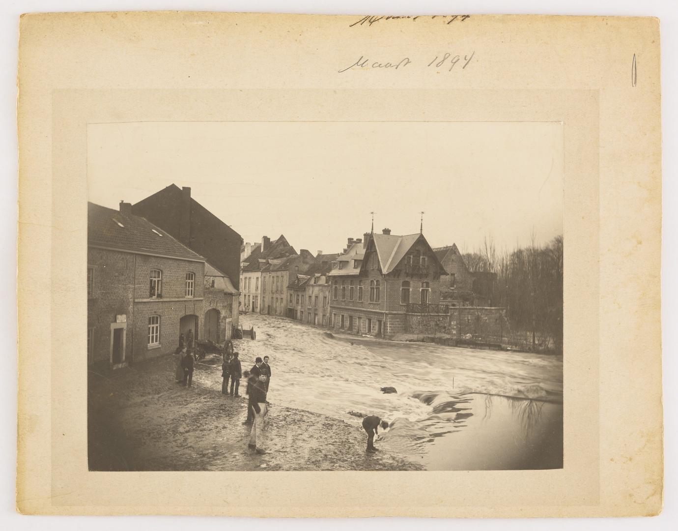 De Pietersstraat te Maastricht tijdens de watersnood van maart 1894