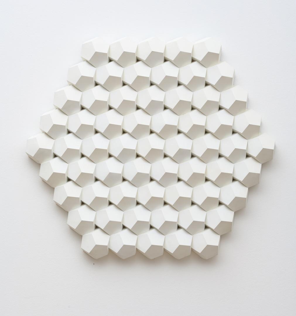 Reliëfstructuur, wit 1 E - 3