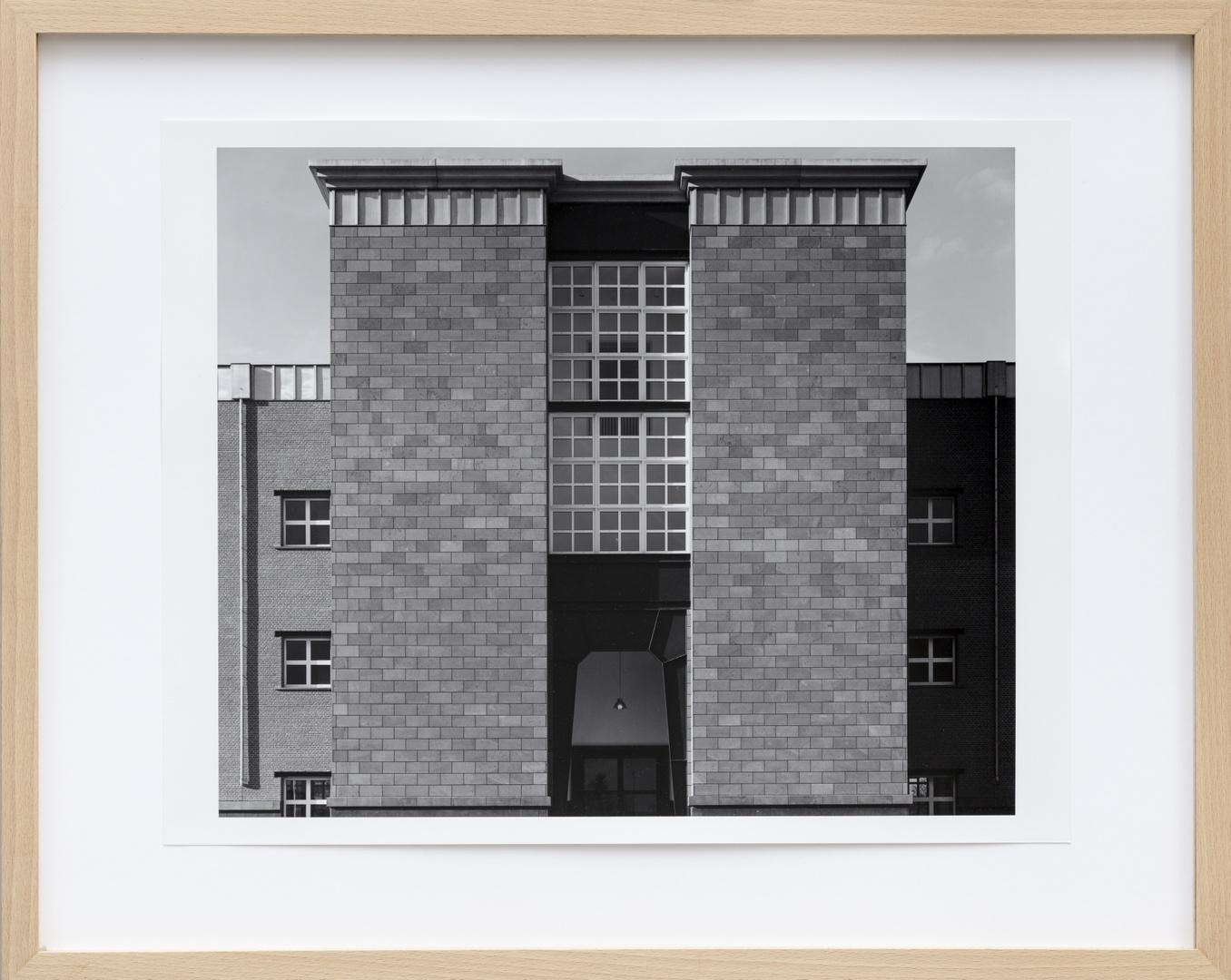 Bouw Bonnefantenmuseum 1992-1994 ; Hoofdingang