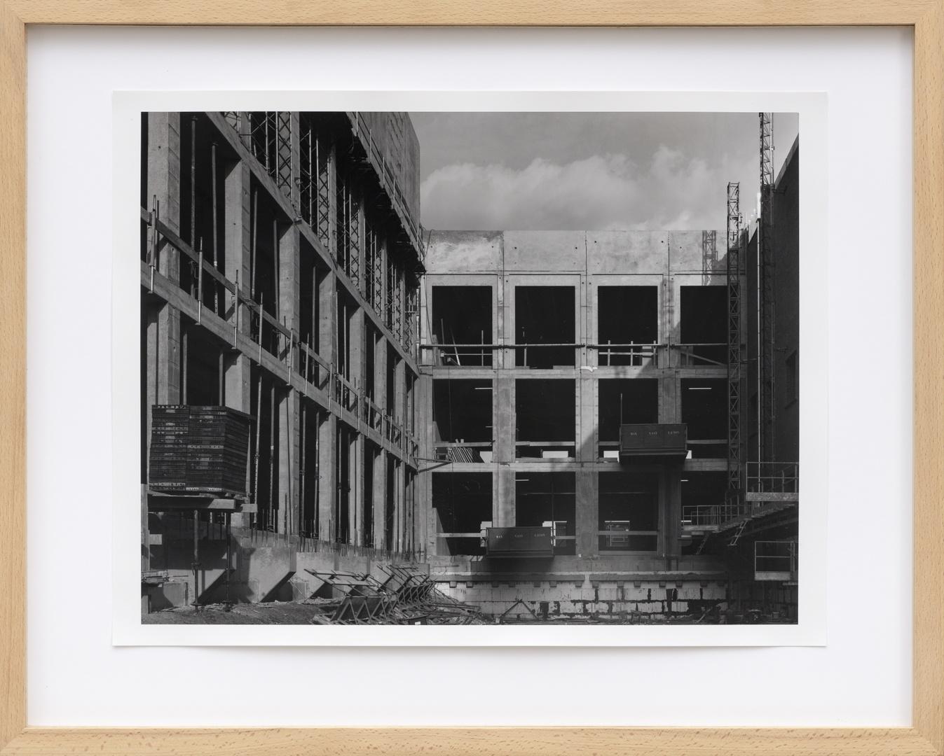 Bouw Bonnefantenmuseum 1992-1994 ; Betonstorten hoofdgebouw