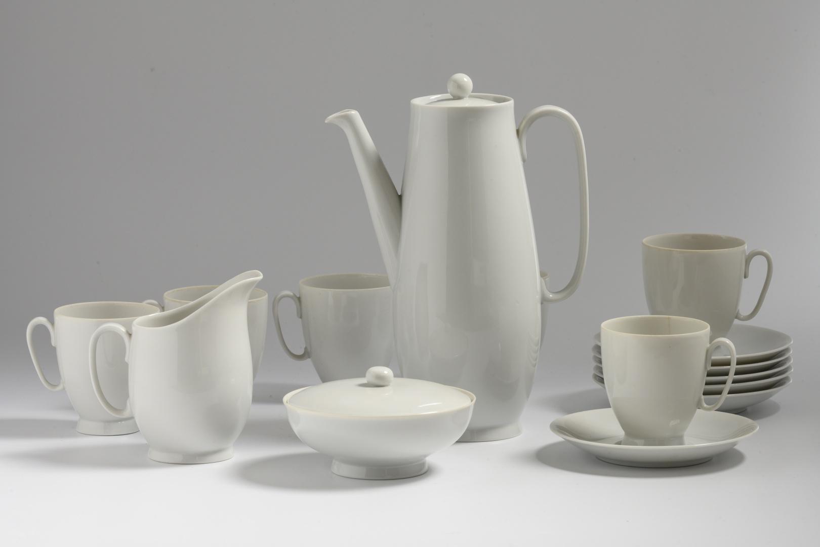 Mokkaservies: mokkakan, melkkan, suikerpot , 6 kop en schotels