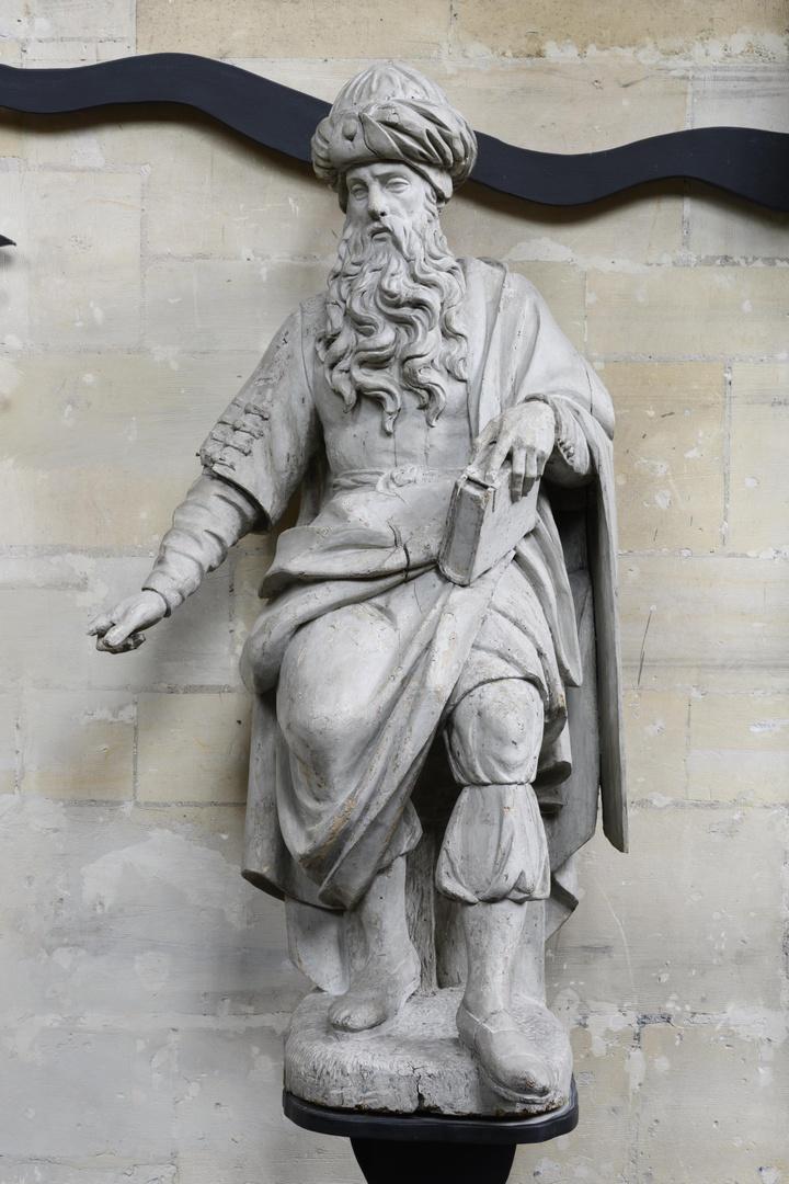 Oud-testamentische figuur in zittende houding
