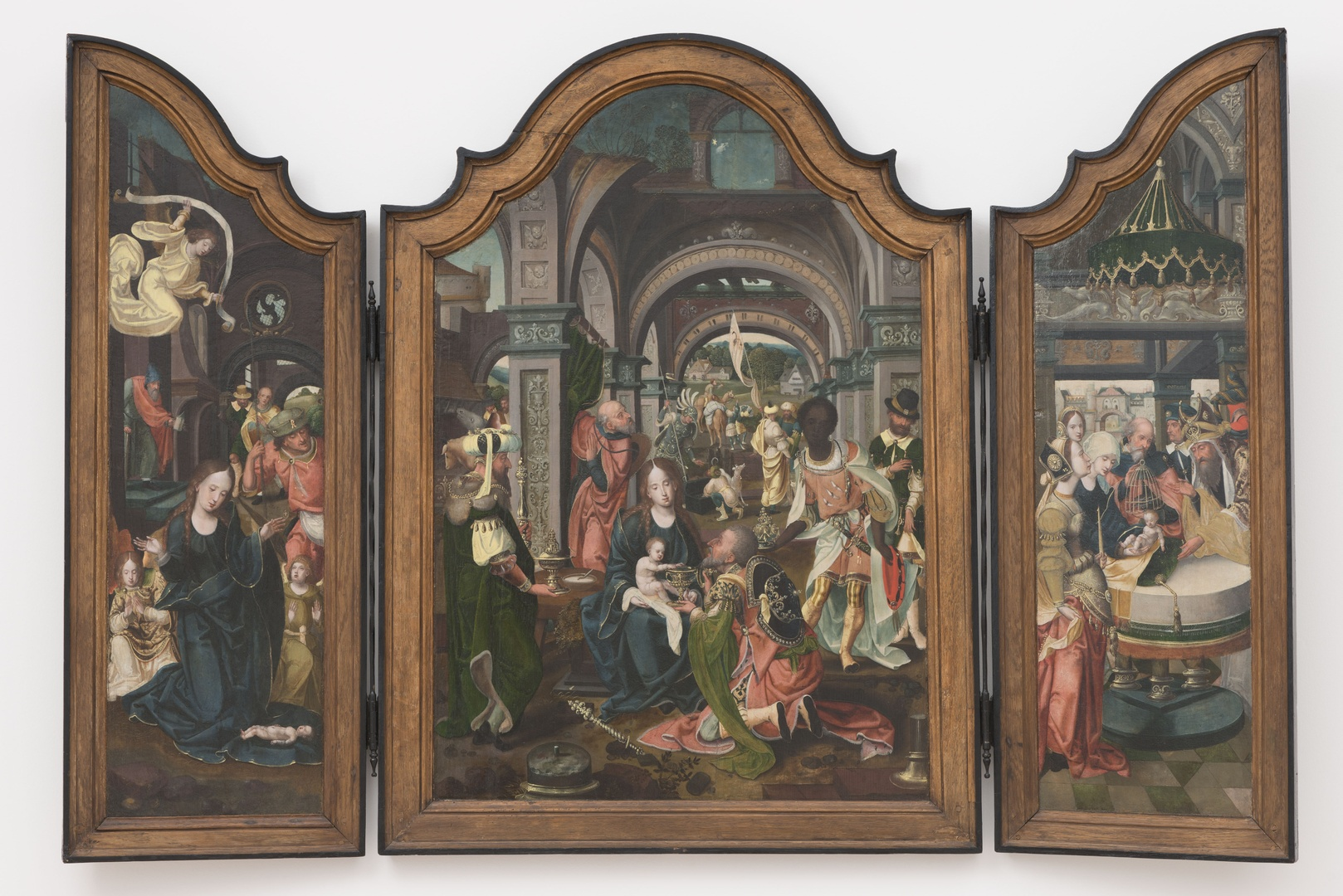 Drieluik met Aanbidding van het Kind; Aanbidding der koningen en Presentatie in de tempel