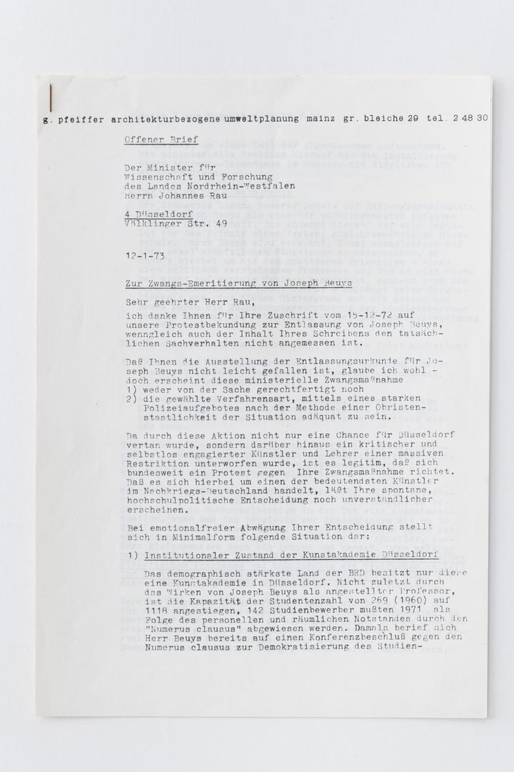 Pamflet/open brief: Pfeiffer, Gottfried, Offener Brief/ Zur Zwangs-Emeritierung von Joseph Beuys. Mainz, 12.1.1973, 4 pagina's