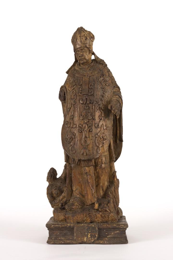 H.Norbertus op geprofileerd voetstukje met wapenschild