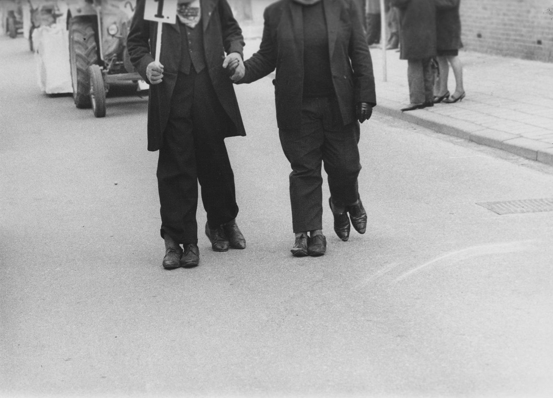 Les double pieds, Marcel Broodthaers, uit Marcel Broodthaers in Zuid-Limburg.